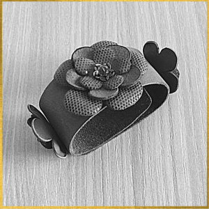 Leatherandstuds_bracciale_green_flowers_1_bn.