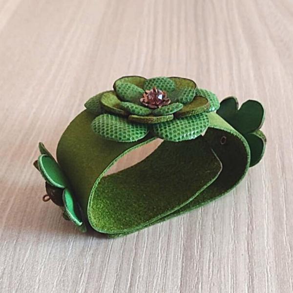 Leatherandstuds_bracciale_green_flowers_2