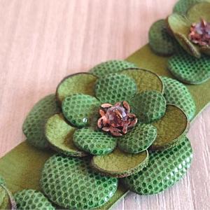 Leatherandstuds_bracciale_green_flowers_4