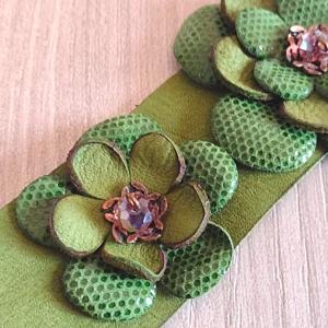 Leatherandstuds_bracciale_green_flowers_5